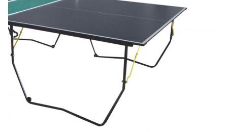 室内乒乓球台脚架放大特写