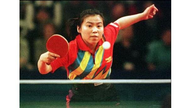 邓亚萍退役20年球技不减当年,无意间透露国乒实力让日本绝望